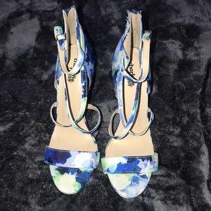 Women's strap heels with zipper